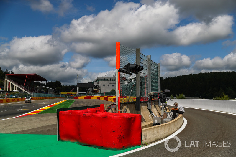 Pit lane entrance