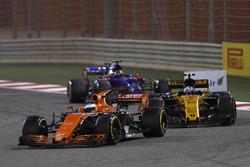 Фернандо Алонсо, McLaren MCL32, Джолион Палмер, Renault Sport F1 RS17, Даниил Квят, Scuderia Toro Rosso STR12
