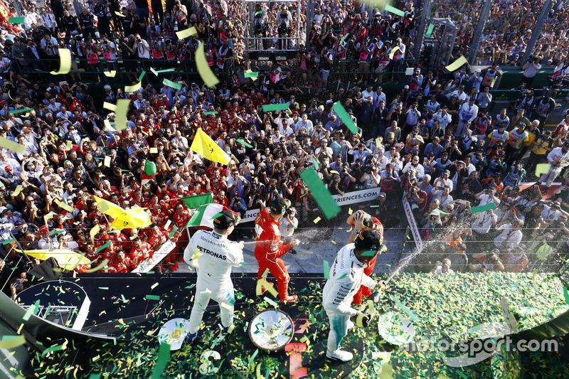 Perayaan di podium usai balapan