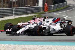Lance Stroll, Williams FW40, battles, Esteban Ocon, Sahara Force India F1 VJM10