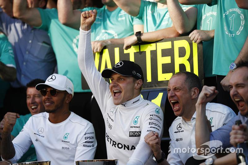 Valtteri Bottas, Mercedes AMG F1, Lewis Hamilton, Mercedes AMG F1