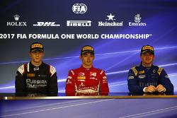 Ganador de la carrera Charles Leclerc, PREMA Powerteam, segundo lugar Artem Markelov, RUSSIAN TIME, tercer lugar Oliver Rowland, DAMS