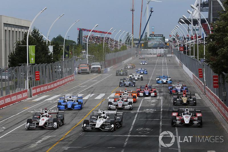 Еліо Кастроневес, Team Penske Chevrolet, Сімон Пажно, Team Penske Chevrolet lead