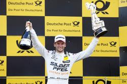 Подиум: победитель гонки Маро Энгель, Mercedes-AMG Team HWA, Mercedes-AMG C63 DTM