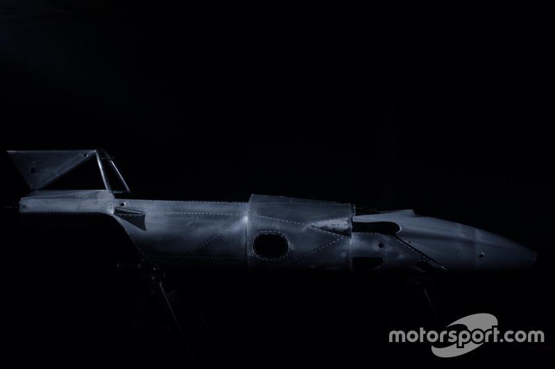 Ferrari 312B на ранній стадії відновлення командою Motortecnica на чолі з Мауро Форг'єрі
