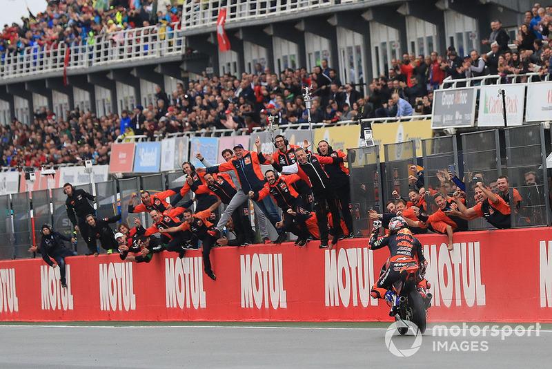 Победа дебютанта Moto3 в его первой же гонке