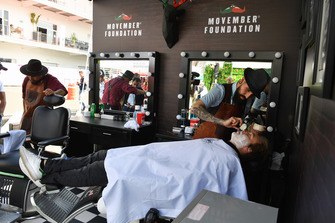 Davide Valsecchi, Sky TV, à la fondation Movember