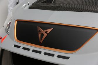 Cupra Leon-TCR, dettaglio del logo Cupra