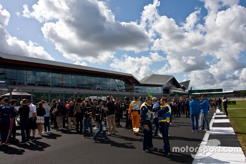 Atmosfer grid di Sirkuit Silverstone