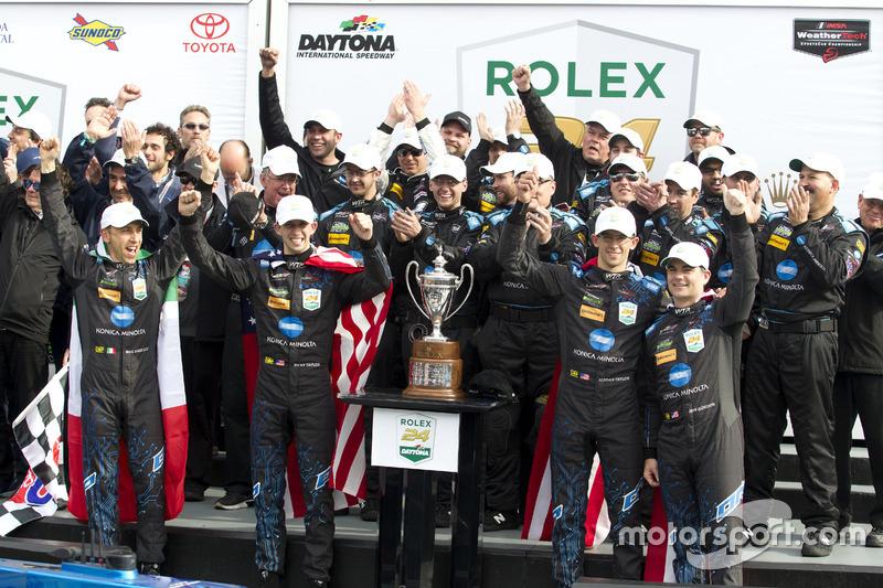 Winnaar #10 Wayne Taylor Racing Cadillac DPi: Ricky Taylor, Jordan Taylor, Max Angelelli, Jeff Gordo