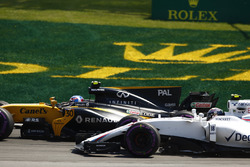 Jolyon Palmer, Renault Sport F1 Team RS17 ve Lance Stroll, Williams FW40