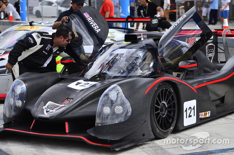 #121 FP1 Ligier LMP3 driven by Henry Gilbert & Ari Rivera of Classic Car Club Miami