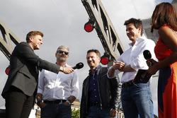 Sunucu Jake Humphrey, Christian Horner, Takım Patronu, Red Bull Racing, Toto Wolff, Direktör, Mercedes AMG F1