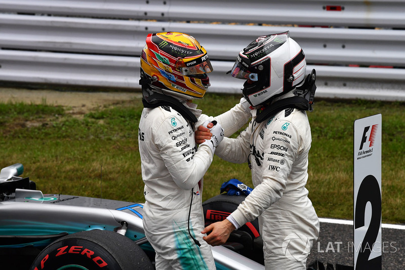 Pole de Lewis Hamilton, Mercedes AMG F1, Valtteri Bottas, Mercedes AMG F1