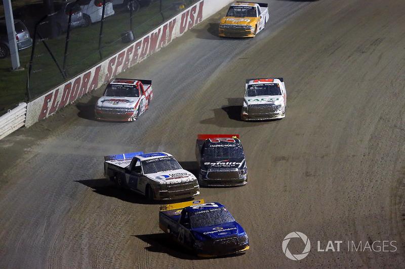 Chase Briscoe, Brad Keselowski Racing Ford y Sheldon Creed, Austin Hill Racing Chevrolet