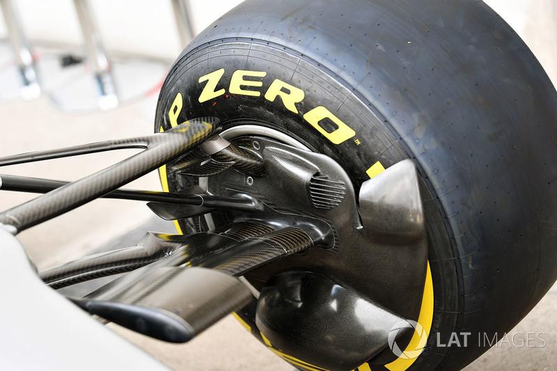 Повітропровід передніх гальм Mercedes AMG F1 F1 W08