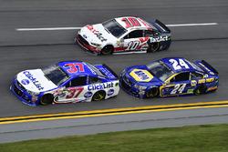 Chris Buescher, JTG Daugherty Racing Chevrolet, Chase Elliott, Hendrick Motorsports Chevrolet, Danic