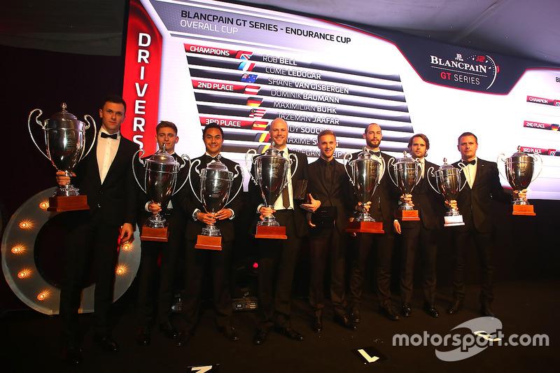 2016 Copa Endurance todos los pilotos, Côme Ledogar, Rob Bell, campeones, Dominik Baumann, Maximilian Buhk, Jazeman Jafaar, segundo lugar, Andy Soucek, Maxime Soulet, Wolfgang Reip, tercer lugar