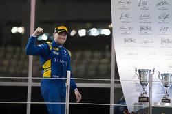 Podium: Race winner Oliver Rowland, DAMS