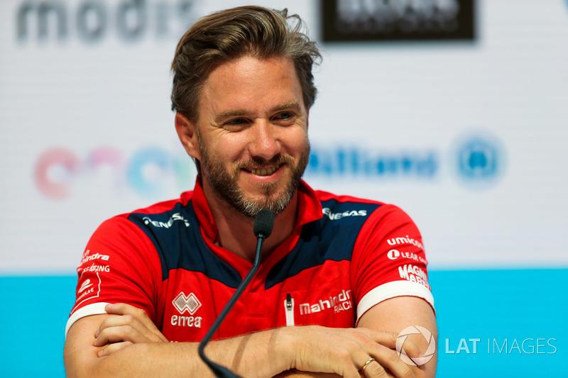 "Ник Хайдфельд –<img src=""https://cdn-3.motorsport.com/static/img/cfp/0/0/0/0/83/s3/germany-4.jpg"" alt="""" width=""20"" height=""12"" />«Боруссия» (Менхенгладбах)"