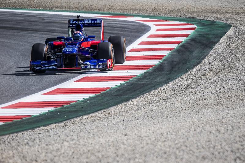 Marc Marquez alla guida di una Toro Rosso F1