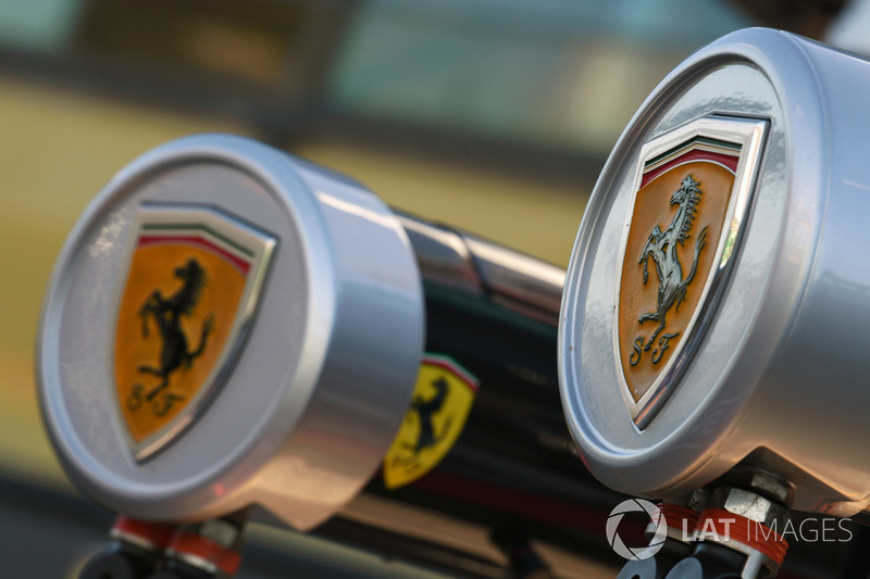 Ferrari pit box logo