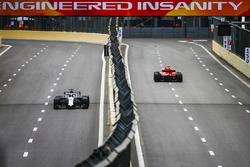 Sebastian Vettel, Ferrari SF71H, Lance Stroll, Williams FW41 Mercedes