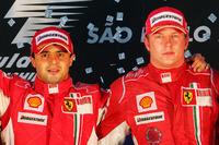 Podyum: Yarış galibi Felipe Massa, Ferrari ve 3. Kimi Raikkonen, Ferrari