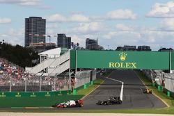 Esteban Gutierrez, Haas F1 Team VF-16 and Fernando Alonso, McLaren MP4-31