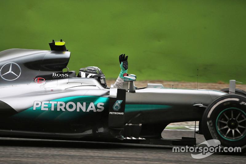 Ganador, Nico Rosberg, Mercedes AMG F1 W07 Hybrid celebra