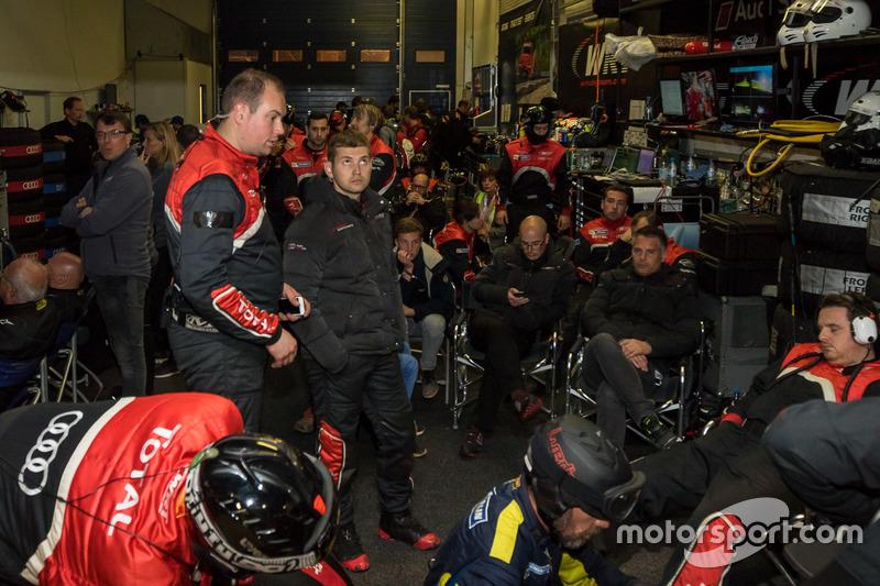 Crowded pit garage