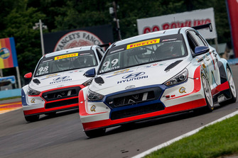 Mark Wilkins and Michael Lewis, Hyundai i30 TCR