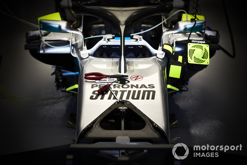 Mercedes AMG F1 W09, detalle de la cabina