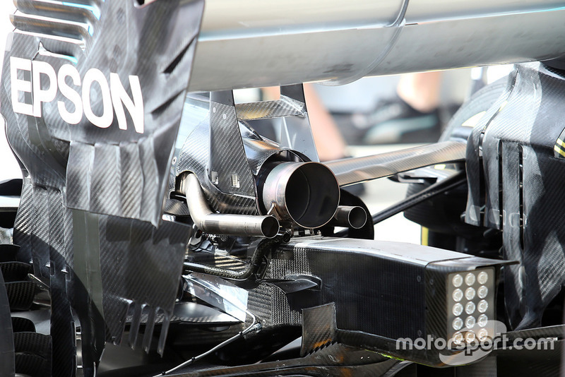 Mercedes AMG F1 W09 exhaust