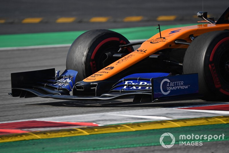 McLaren MCL34 nose and front wing