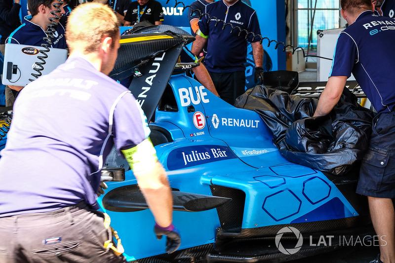 Crashed car of Sébastien Buemi, Renault e.Dams