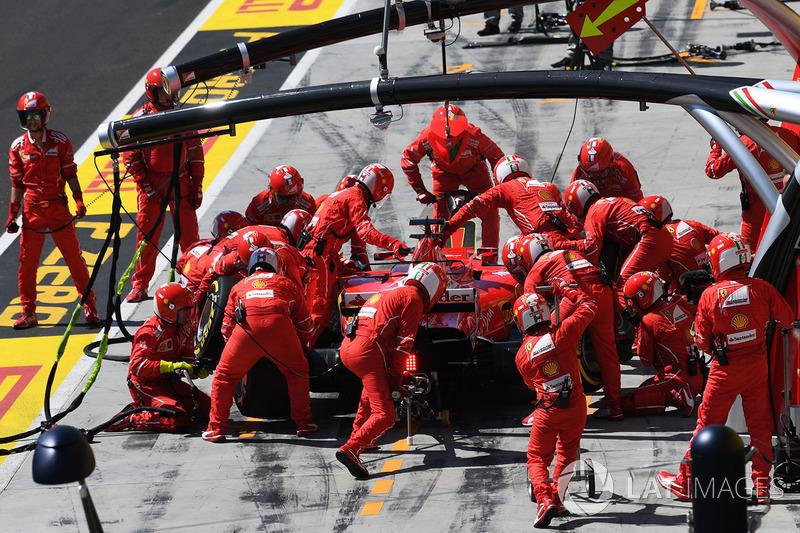 Sebastian Vettel, Ferrari SF70-H pit stop