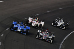 Tony Kanaan, Chip Ganassi Racing Honda, Will Power, Team Penske Chevrolet