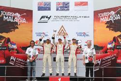 Podium Race 5: Pemenang balapan, Jordan Love (AUS); Runner-up, Faine Kahia (NZL); Peringkat ketiga, Presley Martono (INA)