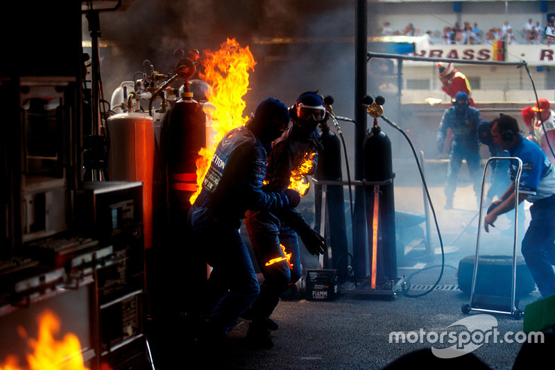 Вогонь на піт-стопі Йоса Ферстаппена, Benetton B194 Ford