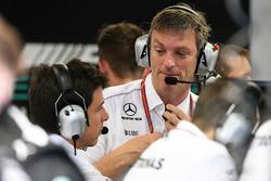 Технический директор Mercedes AMG F1 Джеймс Эллисон и исполнительный директор команды Тото Вольф