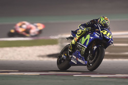 Valentino Rossi, Yamaha Factory Racing, camera hanging off