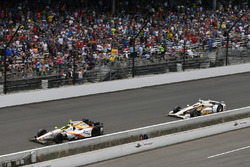 Ed Jones, Dale Coyne Racing Honda, Helio Castroneves, Team Penske Chevrolet