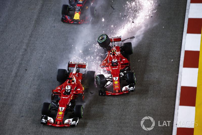 Formula 1 Fotogallery: il primo GP di F.1 in notturna sul bagnato a Singapore