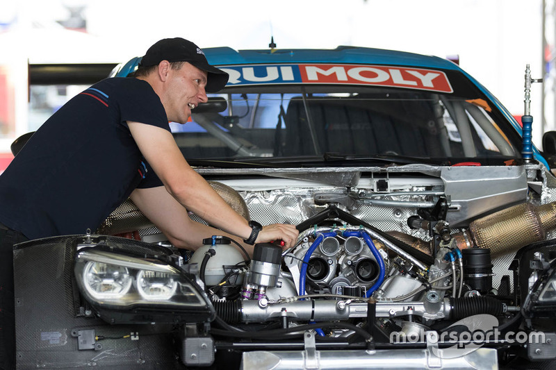 #60 BMW Team SRM BMW M6 GT3