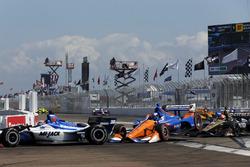 Takuma Sato, Rahal Letterman Lanigan Racing Honda. Scott Dixon, Chip Ganassi Racing Honda, James Hinchcliffe, Schmidt Peterson Motorsports Honda crash in turn one