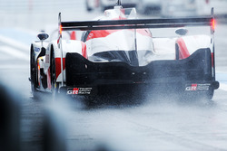 #8 Toyota Gazoo Racing Toyota TS050 Hybrid: Anthony Davidson, Sébastien Buemi, Kazuki Nakajima