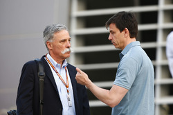 Chase Carey, Chairman, Formula One, talks to Toto Wolff, Executive Director (Business), Mercedes AMG