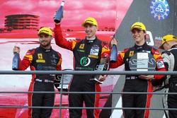 GTE Podyum: #66 JMW Motorsport, Ferrari F458 Italia: Robert Smith, Jody Fannin, James Dayson