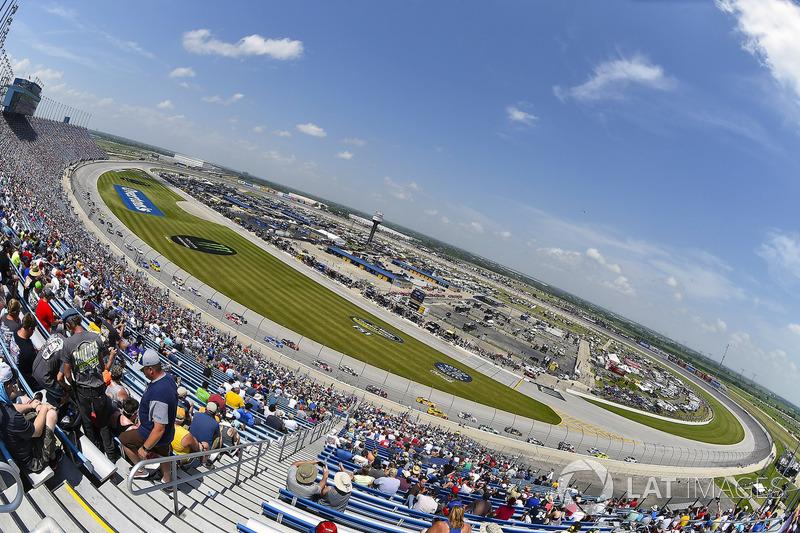 #10: Chicagoland Speedway (1,5 Meilen) - 189,414 mph